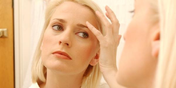 La crema efficace per rimuovere borse sotto occhi